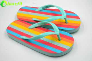 Interesante Lady Coloful Strip Flip Flops Pantuflas