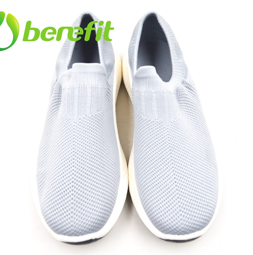 Zapatos casuales para hombre con parte superior Flyknit y suela de doble color de PVC modificado
